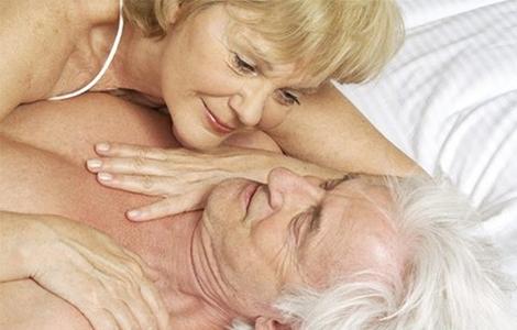 Секс при климаксе: особенности половой жизни после менопаузы