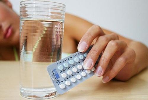 Болят яичники после месячных из-за гормональных препаратов