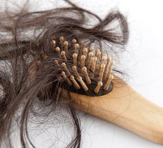 Как остановить выпадение волос во время климакса