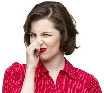 Почему появляется неприятный запах после месячных в интимном месте: патологии и неинфекционные причины, как лечить недуг
