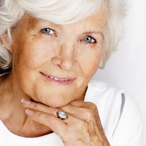 Чем опасен поздний климакс у женщин: симптомы, причины, варианты лечения